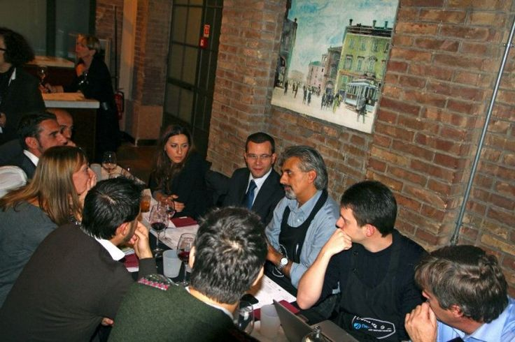 Osteria 2.0 - Il tavolo di Nettamente, in occasione dell'edizione 2012 c/o Caffè Concerto, Modena - Si mangia insieme, chiaccherando di e-Commerce, Web Marketing e Motori di Ricerca