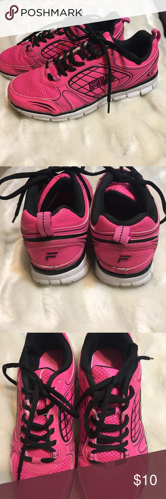 Fila running shoes In great used condition Fila Shoes Athletic Shoes