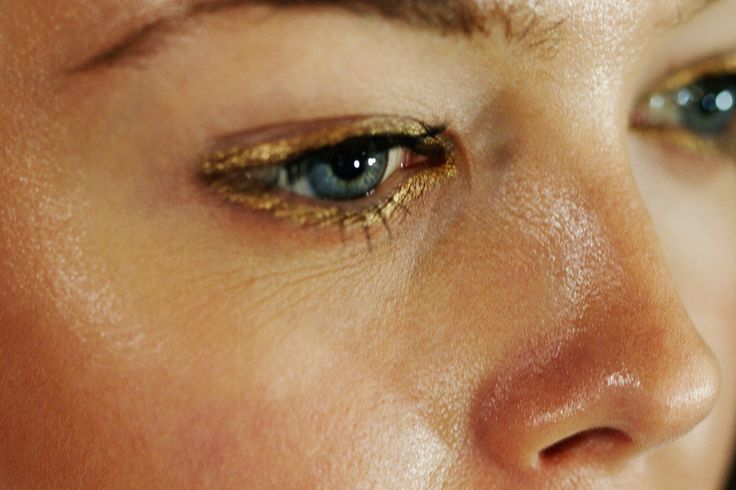 eyes: Classic Beauty, Organicskincare Brighteyes, Thomas Prior, Posts, Gold Eyeliner, Rimmed Eyes, Hair, Beauty Beond, Makeup Gold Rimmed