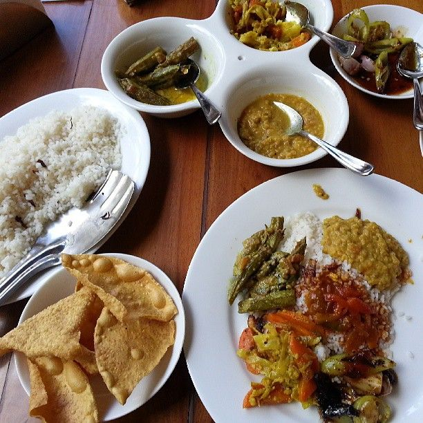 Anyone free for lunch? Rice & curry, Sri Lankan style. Mmmm nomnomnom @ the mansion café, Galle. #srilanka #travel #galle #dutchfort #unesco #food #riceandcurry