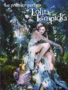 mas que el vestido que poco se ve me encantan las atmosfereas de estas publicidades de Lolita Lempicka