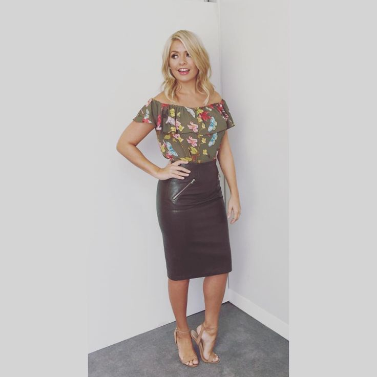 "38.6k Likes, 518 Comments - Holly Willoughby (@hollywilloughby) on Instagram: ""Today's look on @itvthismorning skirt by @zara top by @anthropologieeu #maeve shoes by @officeshoes…"""