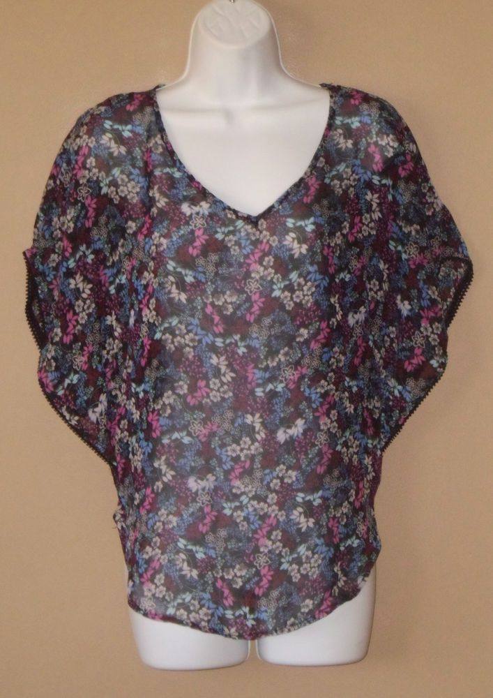 Womens Medium Short Sleeve Black Blue Pink Gray Floral Poncho Blouse Shirt
