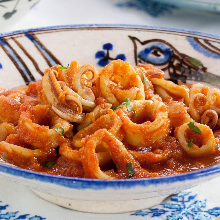 Découvrez la recette Calamars à la basquaise sur cuisineactuelle.fr.