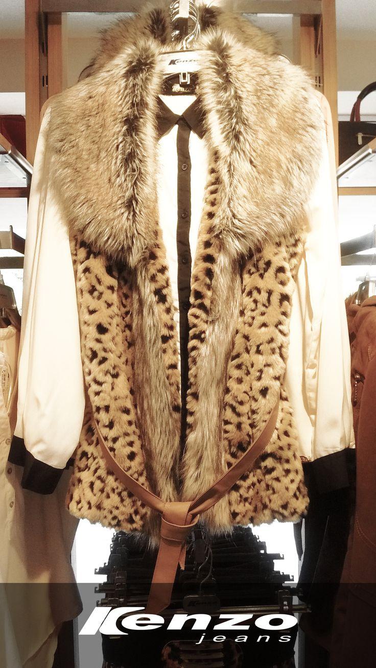 El animal print sigue vigente. Este chaleco será el complemento ideal para look #KenzoJeans
