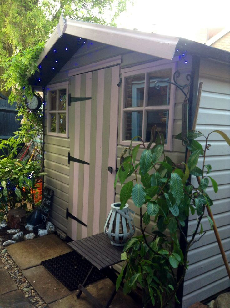 Shed in Beach Hut style