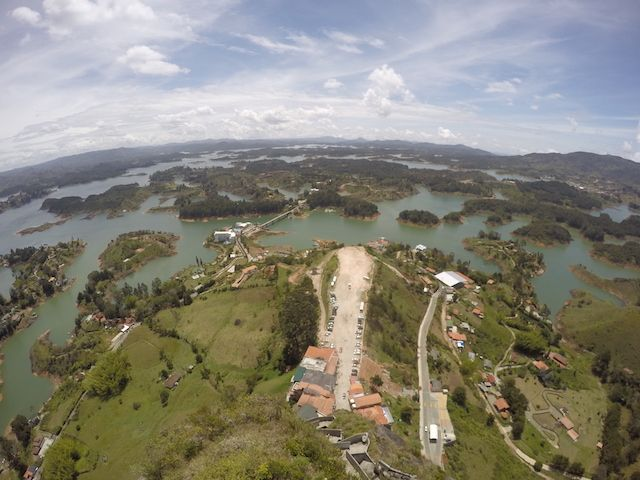 Guatape - Kolumbia  https://podrozniktom.blogspot.is