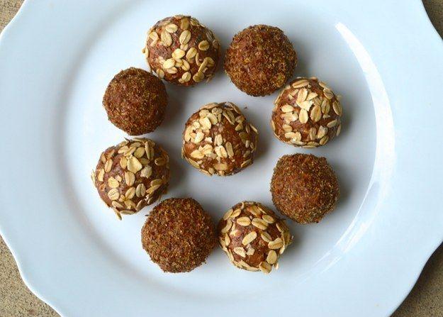 Albóndigas de proteínas de mantequilla de almendras | 17 Desayunos paleo que de hecho son deliciosos
