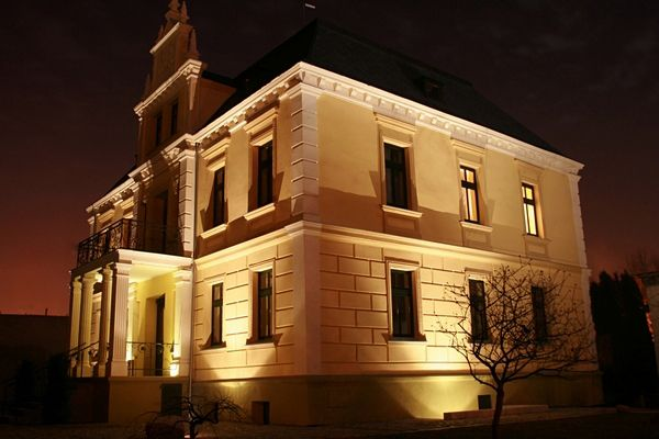 Pałacyk 260 w nocy :-)