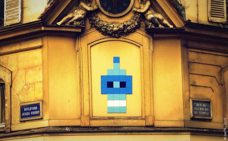 https://flic.kr/p/s9Miz5 | Invader - PA_882 | Invaders in Paris! ----------------------------------- PA-882 - Horloge à l'angle de la rue du Faubourg-du-Temple et du boulevard Jules-Ferry - Paris XI