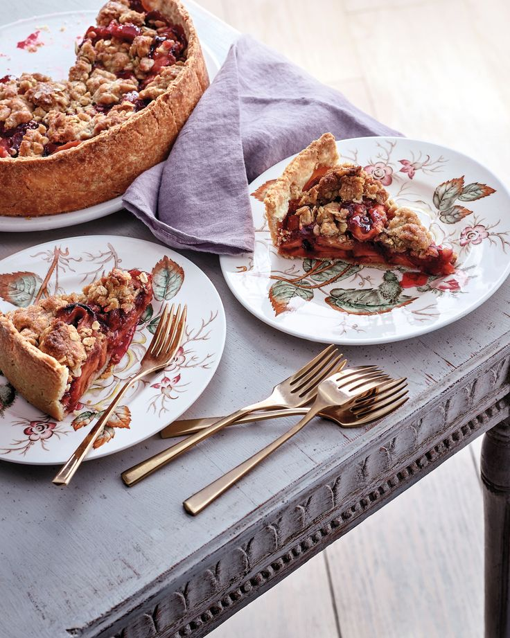 martha stewart blueberry pie with crumb topping