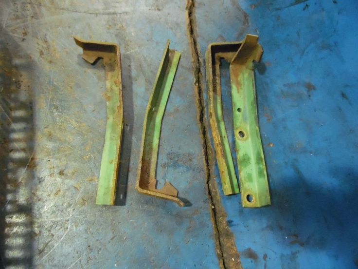 1967 Oliver 1850 diesel Farm tractor battery box brackets