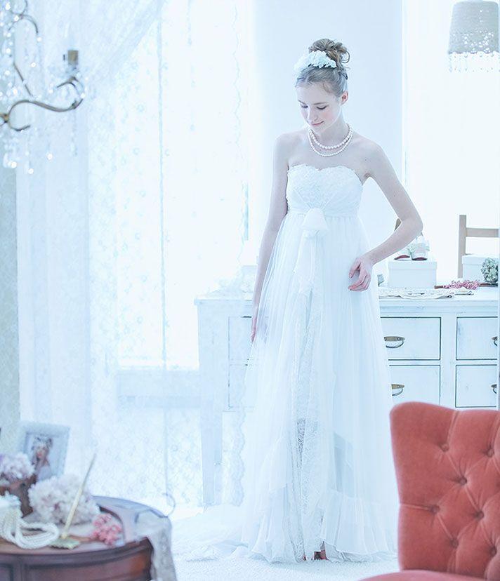No. DBW-019 –足元のカッティングでドレスに遊びココロを。人気のフィッシュテールデザイン。リゾートウェディングにも。