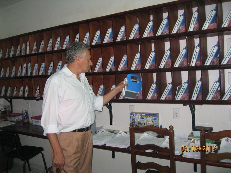UCA PI: Armazenamento dos laptops na Escola Municipal Professor José Rodrigues e Silva, em Parnaíba-PI.