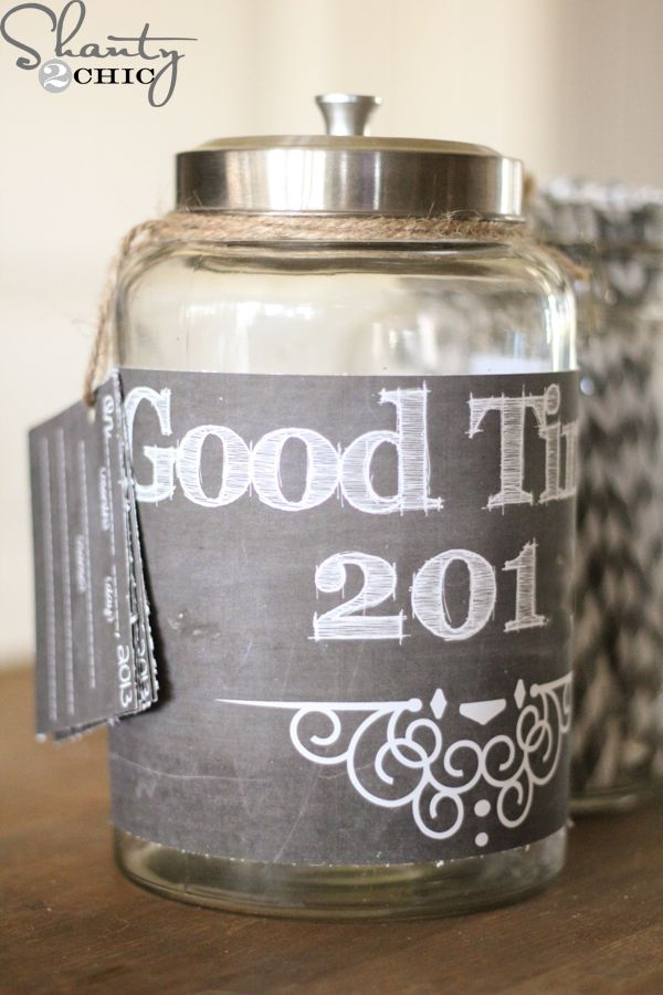 2014 Memory Jar FREE Printable! Have the kiddos write great times in 2014, drop in the jar, open and read on New Year's Eve! Love this!