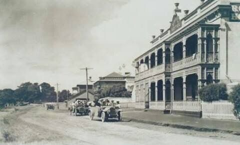 Beach Road, Mornington, 1930s.