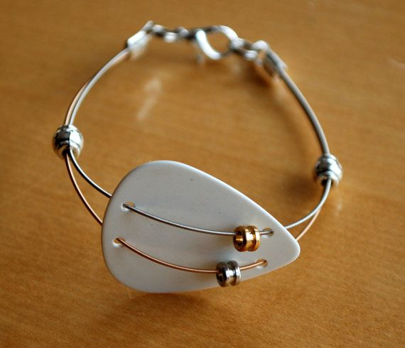 Maroon 5 Guitar Pick and Guitar String Bracelet Gold by Saratude