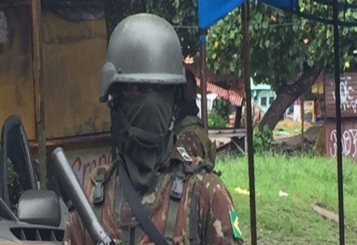 Militares usam máscaras em operação Vila Kennedy para proteger a identidade #news #noticias #brasil #rio #riodejaneiro #bomdia #cliquebrasil