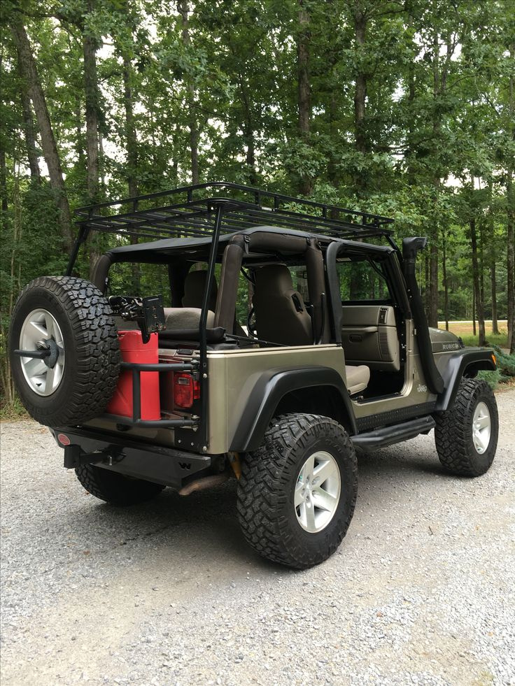 1000 ideas about jeep wranglers on pinterest jeep. Black Bedroom Furniture Sets. Home Design Ideas