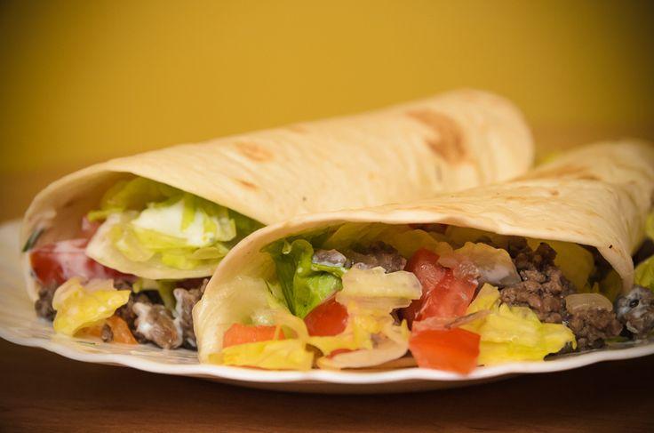 Tortilla s mletým hovězím a zeleninou je rychlá na přípravu a přitom velice chutná. Vyzkoušejte tento recept na tortillu s mletým hovězím. recepty česky