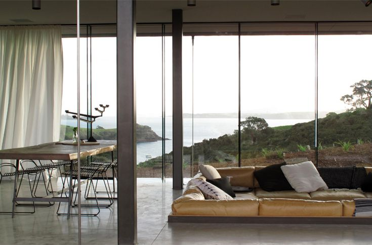 The Island Retreat on Waiheke Island, New Zealand by Fearon Hay Architects. Interiors by Penny Hay, photography by Patrick Reynolds