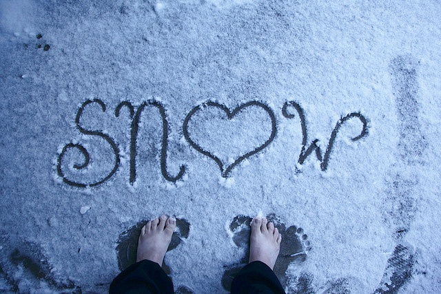 love it!! Also reminds me of when I've walked barefoot in snow many times. Looove this.
