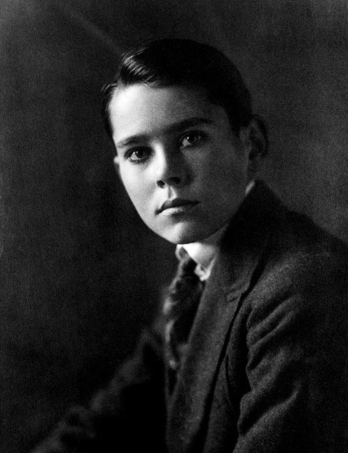 Young Henry Fonda grows up to be one of Hollywood's greatest actors (Jane & Peter Fonda's father)