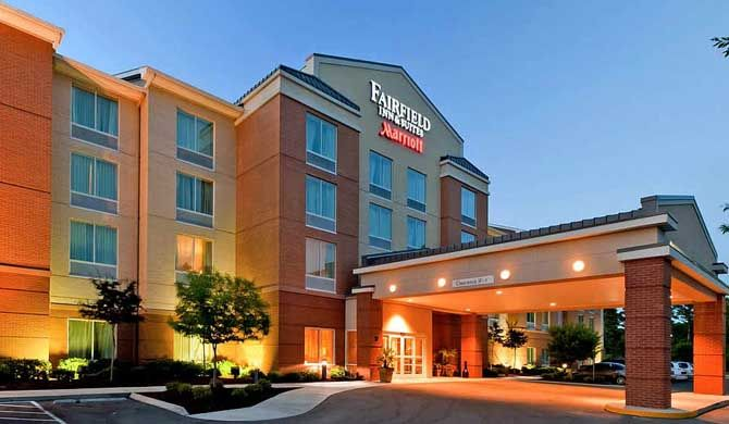 Fairfield Inn & Suites Wilmington/Wrightsville Beach The Fairfield Inn & Suites Wilmington/Wrightsville Beach combines comfort, location, affordability and functionality.    We are the closest hotel to UNCW and located near the upscale Landfall... #Hotel  #Travel #Backpackers #Accommodation #Budget