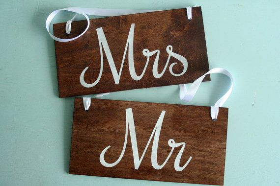 Rustic Wedding Mr and Mrs Signs // Photo Props by pepperspaperie,