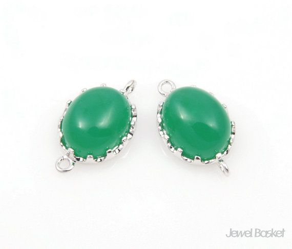 - Highly Polished Rhodium Frame (Tarnish Resistant) - Green Color Glass - Brass and Glass / 9.5mm x 16mm - 2pcs / 1pack