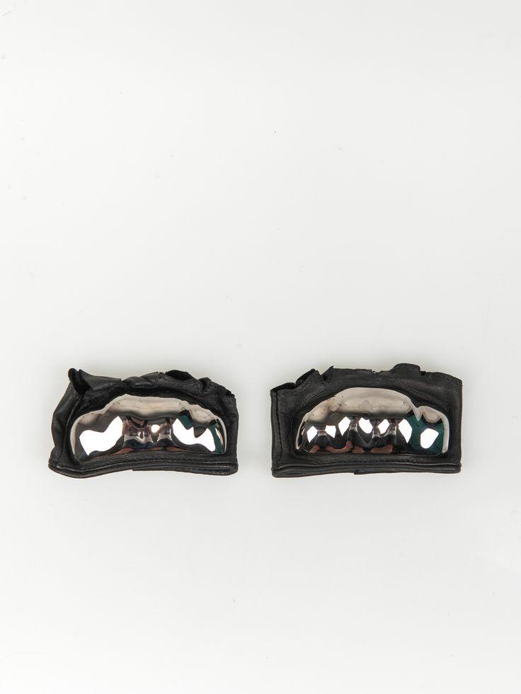 MAJESTY BLACK , Thick Brass Knuckle Hand Spats Gunmetal #shopigo#shopigono17#womenswear#ss15#madonna#majestyblack