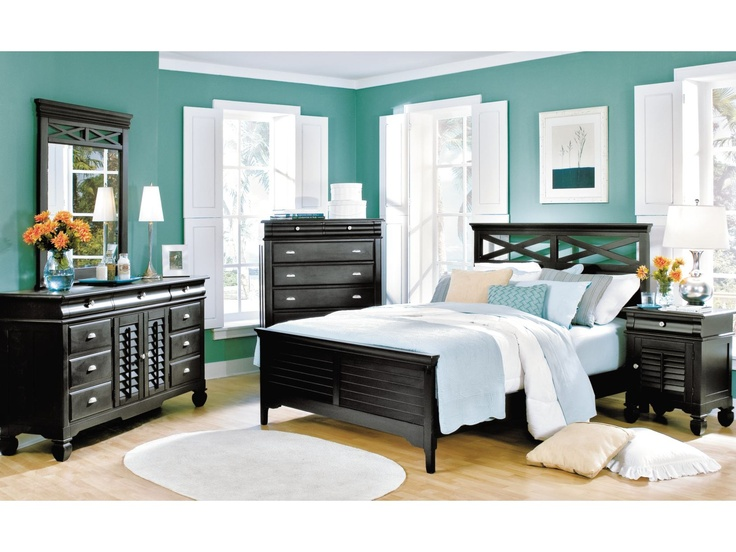 Plantation Cove Black 5 PC Panel Bedroom Package   American Signature  Furniture $1,499.99