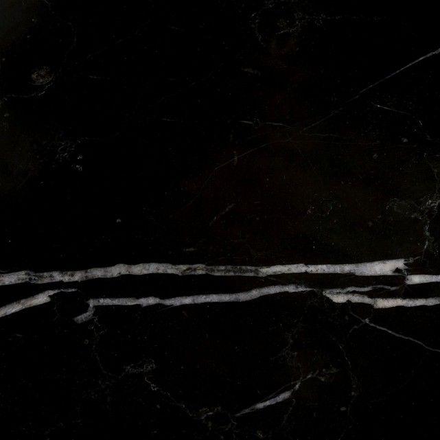 La console Fébée. Alliance réussie du marbre et du métal pour une console qui apporte en plus de sa ligne élégante, un peu de rangement avec ses deux tiroirs.Caractéristiques : - En métal. - Double plateau. - Plateau du dessus en marbre. Chaque pièce est unique, les marbrures peuvent être plus ou moins marquées. - 2 tiroirs. Dimensions : - L120 x H80 x P24,5 cm.- Utiles d'un tiroir : L58 x H7,5 x P23 cm- Utiles du plateau inférieur : L120 x H25,5 x P23,5 cmDimensions et poids des colis…