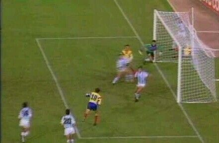 Argentina 1 Romania 1 in 1990 in Naples. Gavril Balint equalises for Romania in the 68th minute in Group B #WorldCupFinals