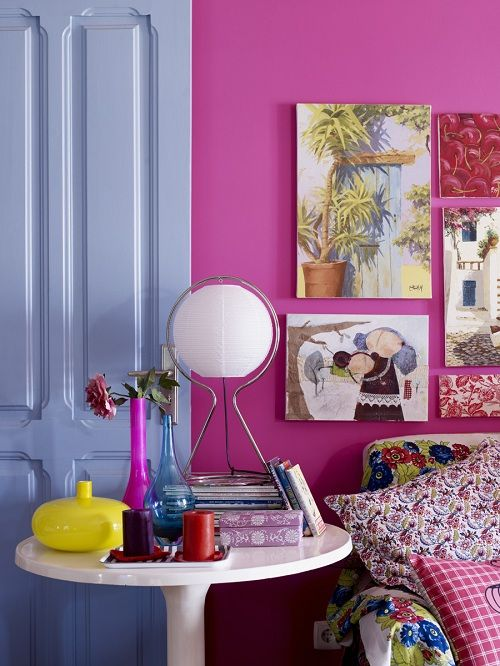 what colors!: Blue Rooms, Side Table, Colour Home, Living Rooms Design, Hot Lips, Colors, Hot Pink, Rooms Ideas, Pink Wall