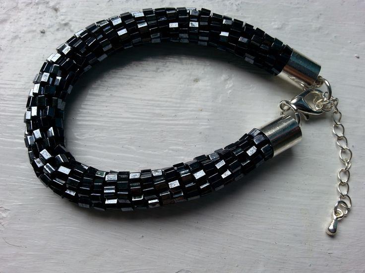 bransoletka na szydełku z koralikami, crochet brancelet with beads