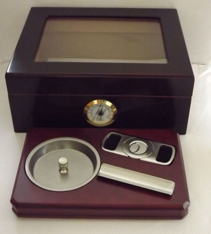 Whitetail Cherry Glass Top Humidor - Humidifier - Hygrometer - Ashtray XL Cutter