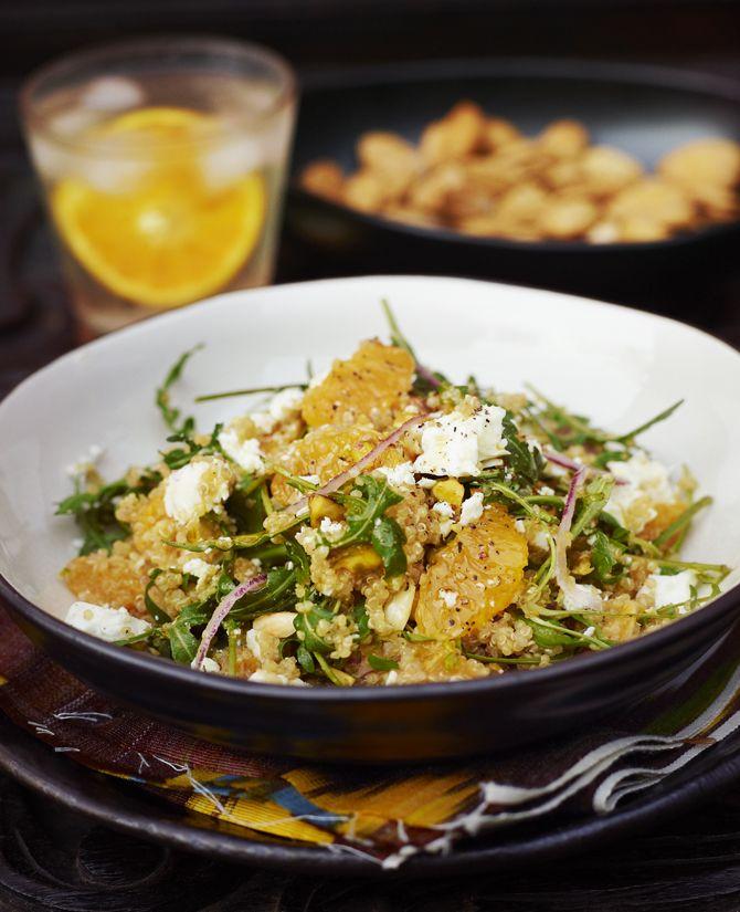 Apelsinsallad med quinoa och fetaost