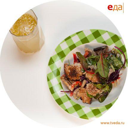 Салат с баварскими колбасками