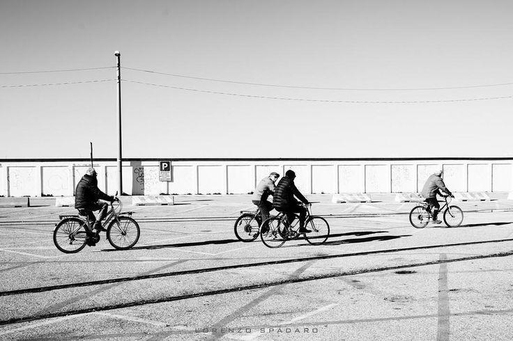 #daylight #naturallight  #instagood #bestoftheday #globe_captures  #follow4follow #igfriuliveneziagiulia #igersfvg #centofoto #instagood #instadaily #instamood #ig_global_life #ig_italy #igersitalia #igfriends_italy #gf_italy #fotografia_italiana #volgo_friuliveneziagiulia #trieste #bicycle #pedocin #bw #streetphotography