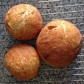 """En 2006, le New York Times  publiait pour la première fois la recette inventée par le fameux boulanger Jim Lahey, celle du """" No-Knead B..."""