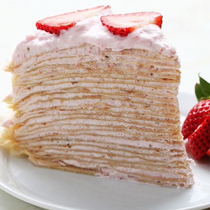 Strawberry Banana Crepe Cake Recipe by Tasty - Deserts - Best Cake Recipes Strawberry Crepes, Banana Crepes, Strawberry Banana, Strawberry Crepe Cake Recipe, Food Cakes, Cupcake Cakes, Crêpe Recipe, Cooking Tv, Chocolate Crepes