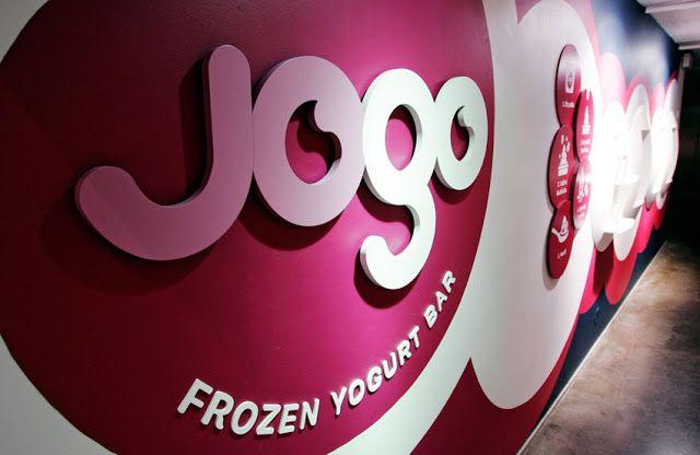 Проекты PORCELANOSA Grupo: йогурт-бар Jogo Frozen в Хельсинки (Финляндия) #Porcelanosa   #Krion   #projects   #bars   #interiordesign   #innovation