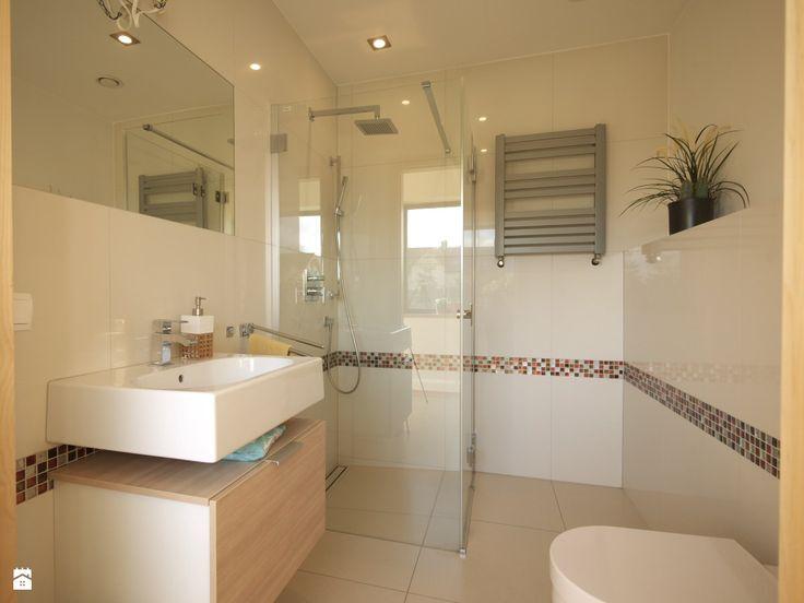 wc z prysznicem - zdjęcie od Interio-Desi Pracownia Projektowa - Łazienka - Styl Nowoczesny - Interio-Desi Pracownia Projektowa