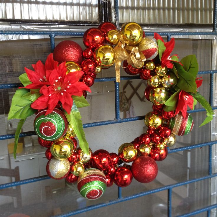 Brazilian Christmas Wreath #nopinetrees -- DIY with Dollar Store Christmas decorations