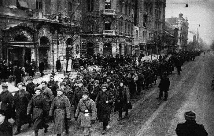 Tömeges nemi erőszak, rablás, gyilkosságok – Soha nem látott iratok a szovjet megszállásról