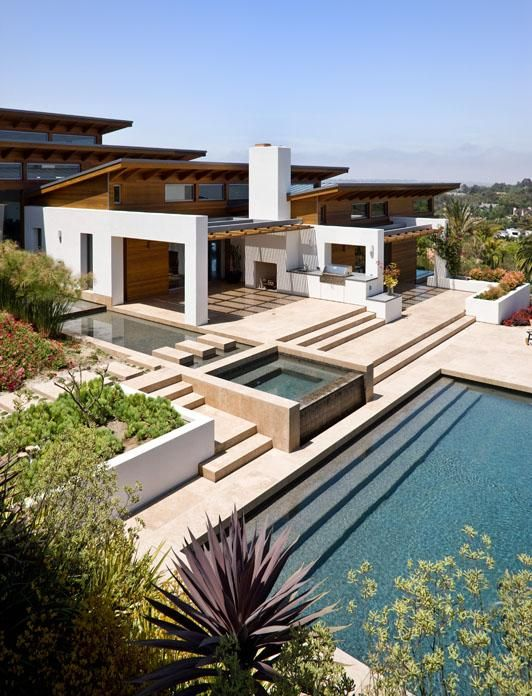 The architects at Safdie Rabines have designed the Hilltop House in Rancho Santa Fe, California