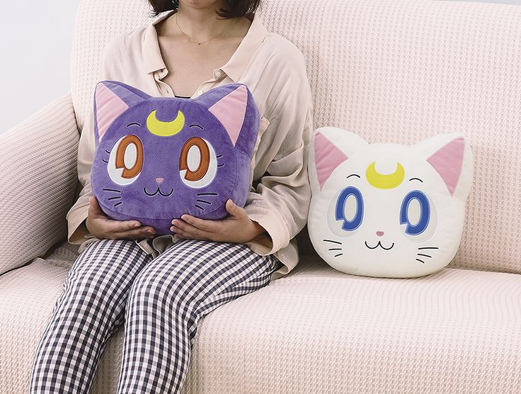 New pic of the Luna & Artemis face cushions, these come out next month!
