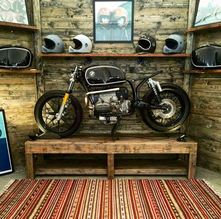 25 Best Ideas About Dream Garage On Pinterest: 25+ Best Ideas About Motorcycle Garage On Pinterest