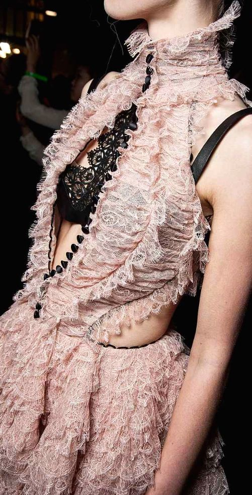 Alexander McQueen, 2016. After many years, this season I loved almost all McQueen collection!